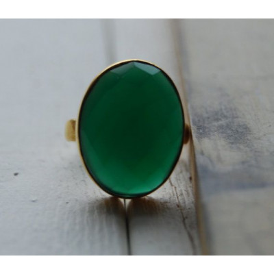 Green Oval Onyx Ring