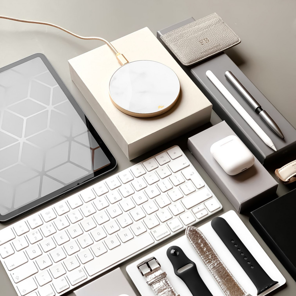 Wireless Charger | White Marble / Gold