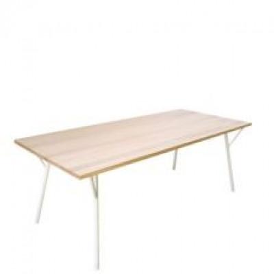 Tisch T-01