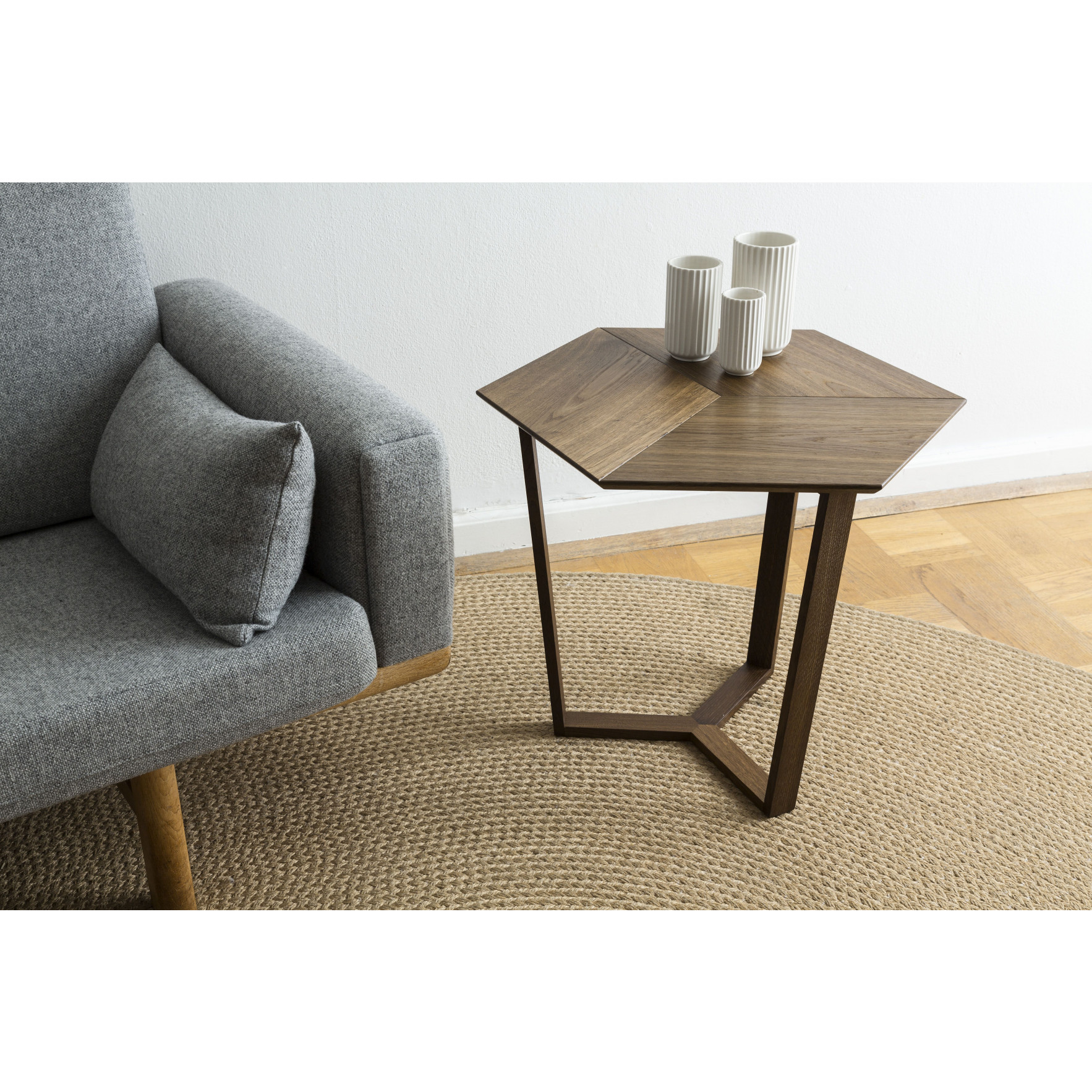 KANT |  Sophisticated Side Table Smoked