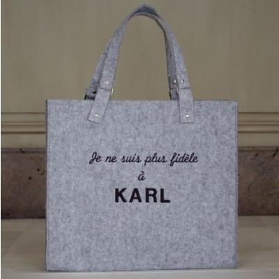 Plus fidèle à Karl | Light Grey