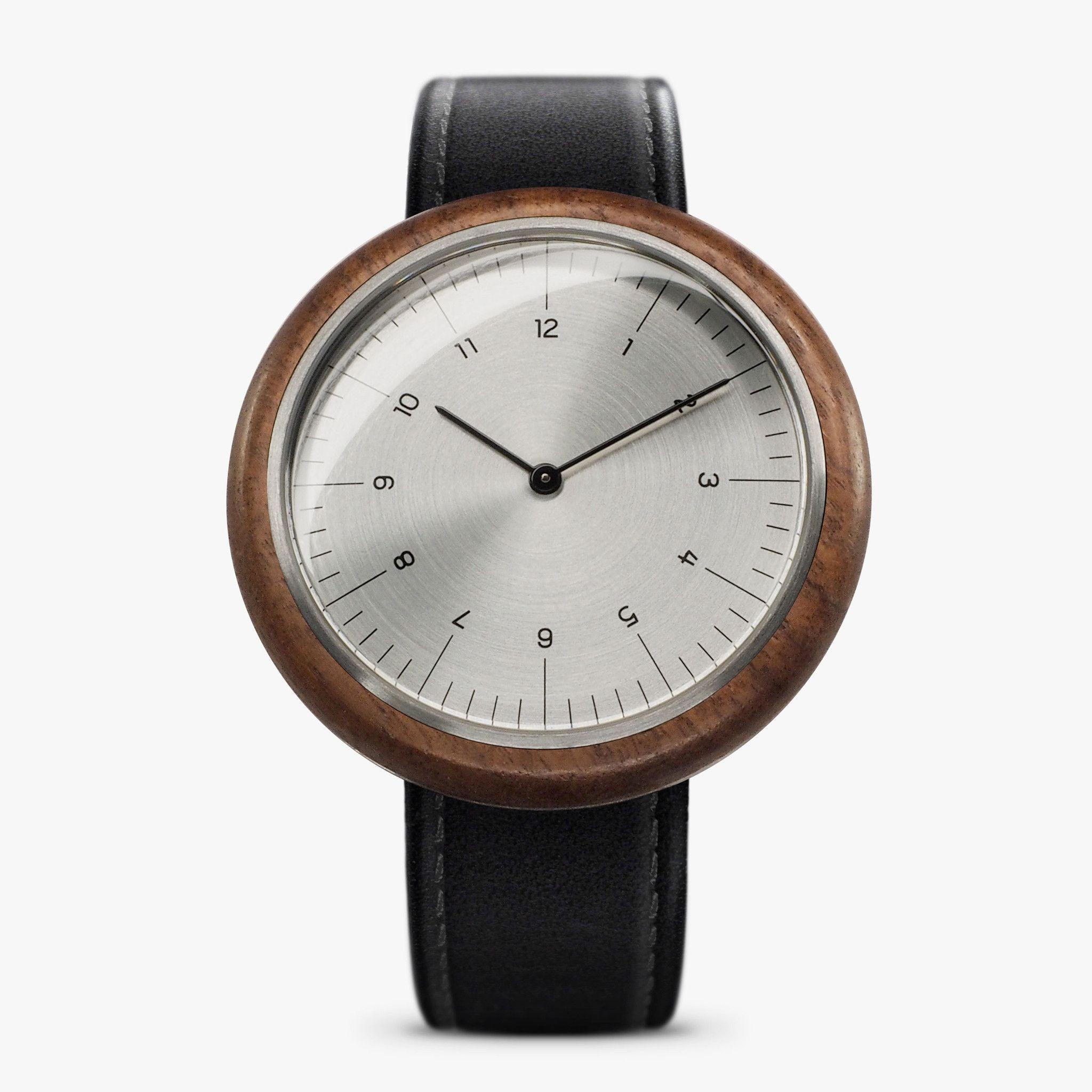 R17 Watch