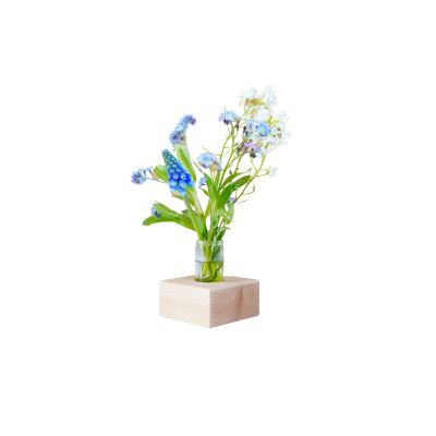 Hölzerner Halter mit Flasche zum Pflücken von Blumen