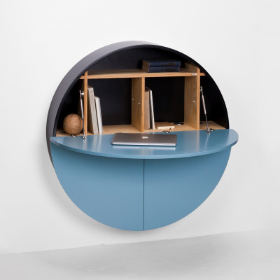 Desk Pill | Black / Blue