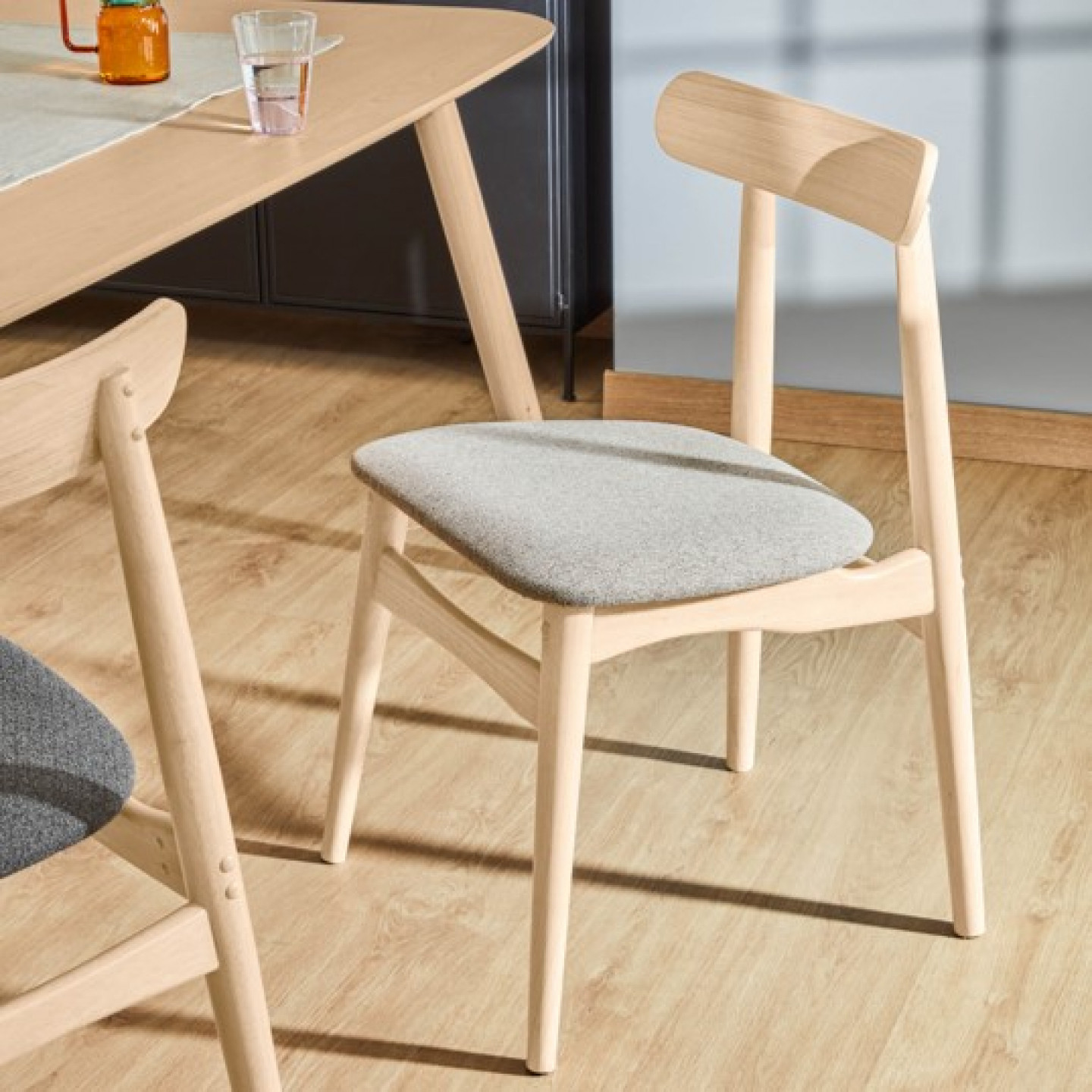 Chair Nayme | Beige & Light Wood