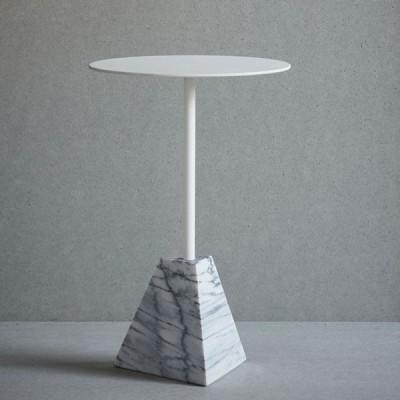 Knock Out Tischpyramide   Weißer Marmor