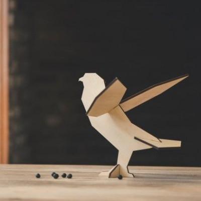 Animal Figure   Falcon Natural