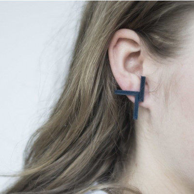 KURO 1 earrings   Black