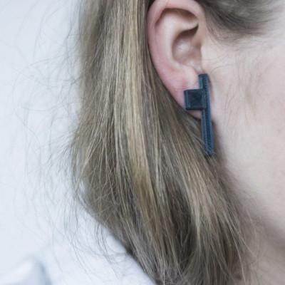 KURO 2 earrings   Black