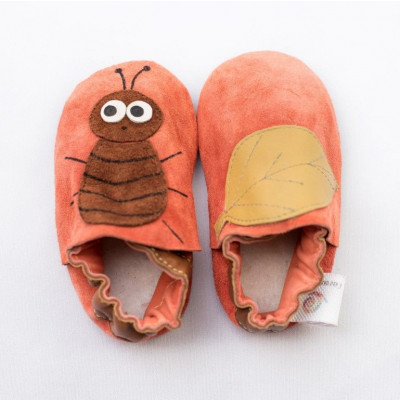 Orangefarbene Käfer-Softsole-Schuhe