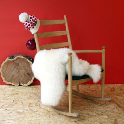 Ein Moumoute Schafsfell   Weiß Kurzhaar