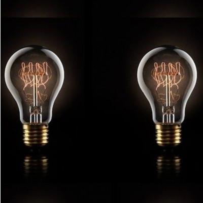 A set of 2 Quad‐loop filament bulbs 40w