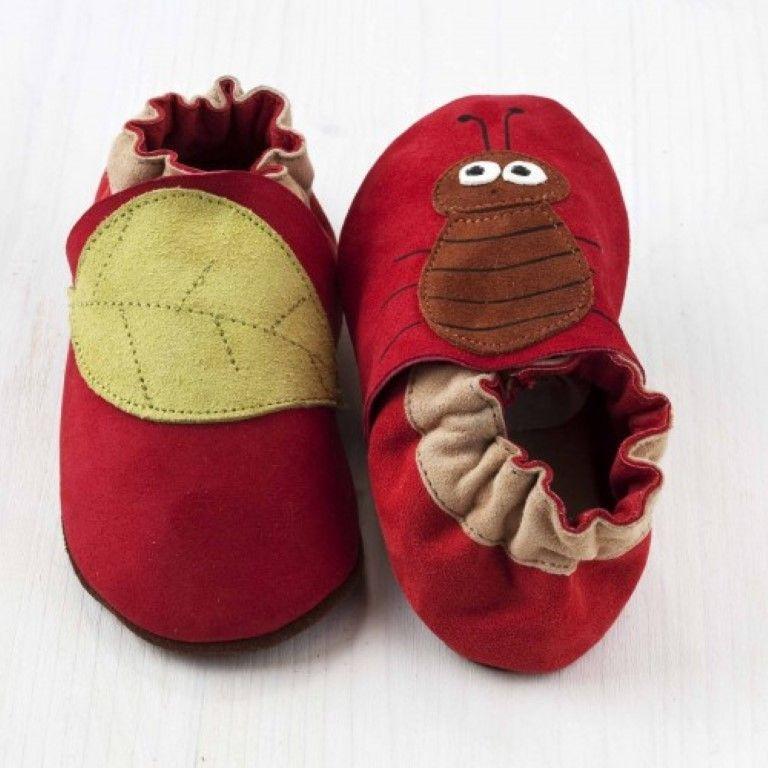 Roter kleiner Käfer Softsole-Schuhe