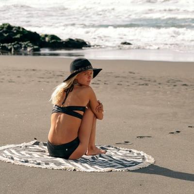 Round Beach Towel Benagil | Black & White