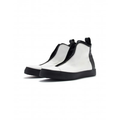High-top Sneakers   White & Black