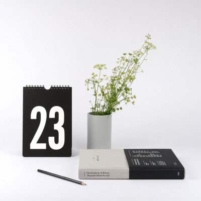 Perpetual Calendar | Black