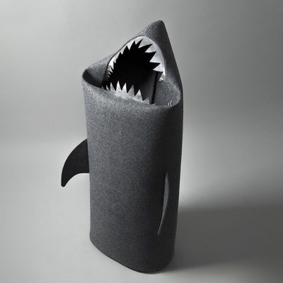 Big Shark Anthracite (silver teeth)
