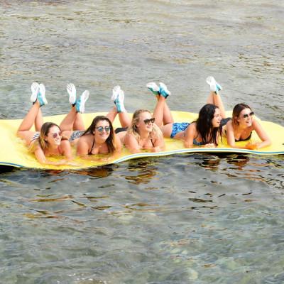 Floating Water Matt L 4-6 Places