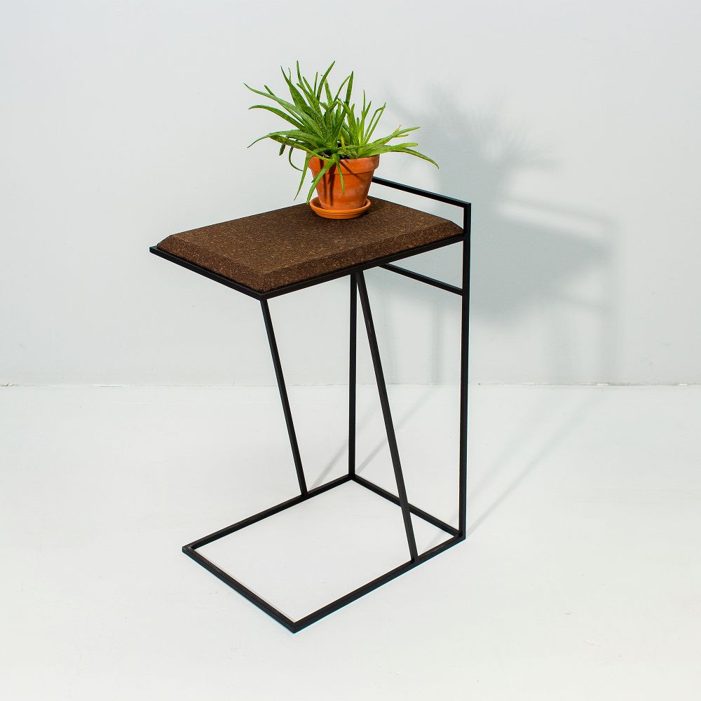 Side Table Grao | Dark Cork & Black Legs