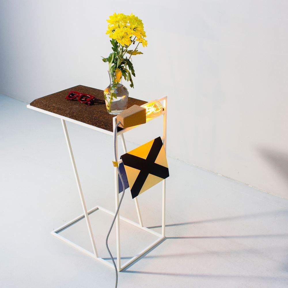Side Table Grao | Dark Cork & White Legs