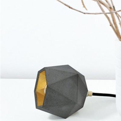Stehleuchte [T2] Dreieck | Beton & Gold