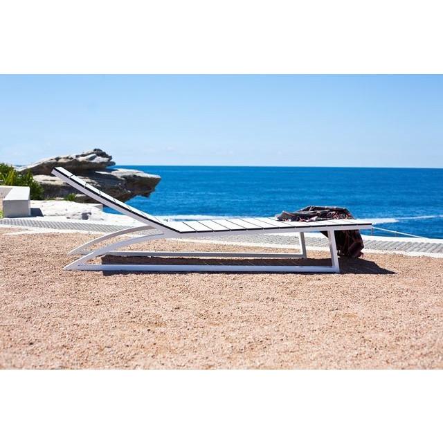 Piano Sun Lounge Fixed