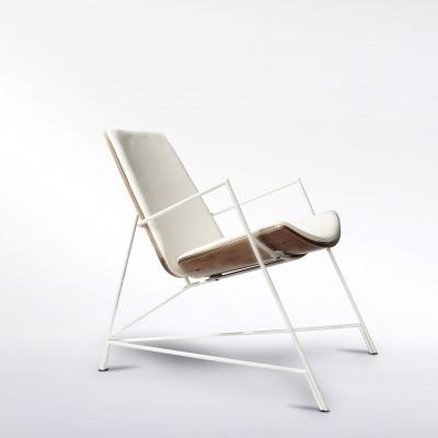 Thale Lounger   White Frame & White Upholstery