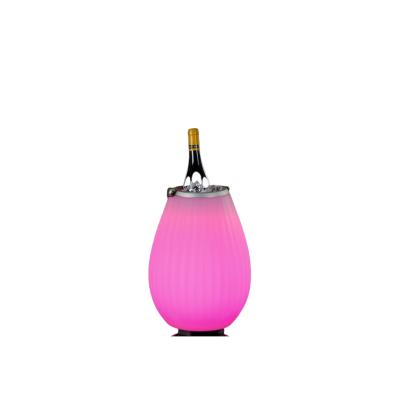 3-in-1 Weinkühler The Joouly 35 mit Musik und Licht
