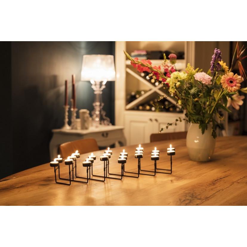 Teelicht-Kerzenhalter   22 Kerzen