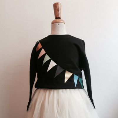 Girl's Sweater   Triangle Black