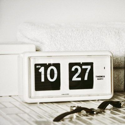 Flip-Clock QT30   Weiß