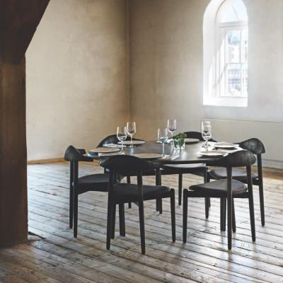 Riverstone-Tisch