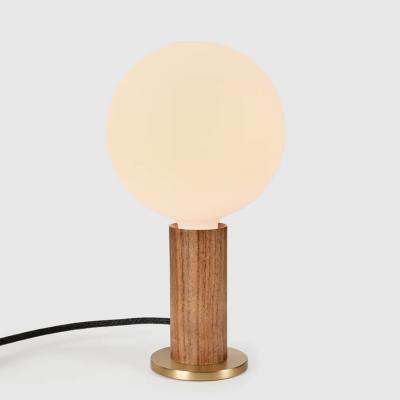 Tischlampe Knuckle mit Kugel XL Glühbirne   Walnuss