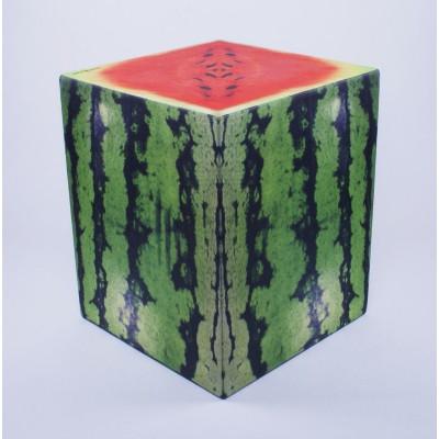 Auf allem Würfel sitzen | Wassermelone