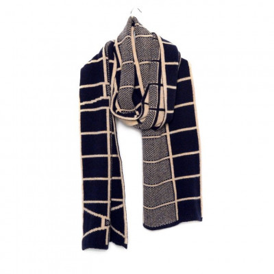 Knitted Cashmere Scarf   Milwaukee