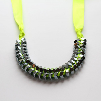 Necklace Neon Yellow