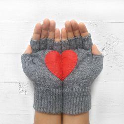 Handschuhe ohne Fingerspitzen | Stahlgrau mit Rotem Herz