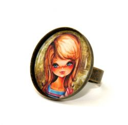 Vintage Girl Round Cameo Ring