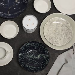 Set of 4 Plates Marble Look | Black & Green