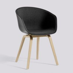 About A Chair AAC22 | Matt Lacquered Oak Veneer & Black / Remix 183 Front Upholstery