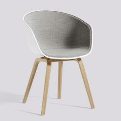 About A Chair AAC22 | Matt Lacquered Oak Veneer & White / Remix 123 Front Upholstery
