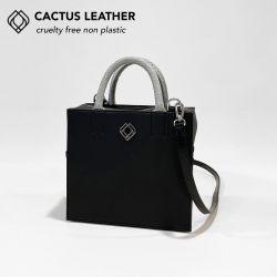 Box Tasche - Kaktusleder mit Fischlederdetails | Schwarz
