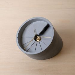 4th Dimension Table Clock