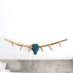 Coat Hanger Hunting Trophy YY | Oak / Field