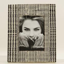 Bilderrahmen | 18 x 13 cm | Weißer Knochen und schwarze Punkte