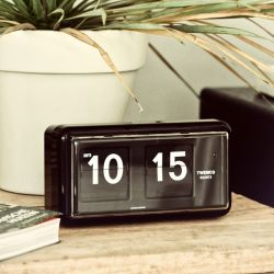 Flip Clock QT30 | Black