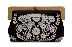 Wooden Handle Clutch Black/White