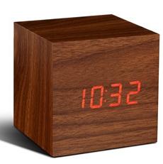 Würfel-Klick-Uhr | Walnuss & Rot