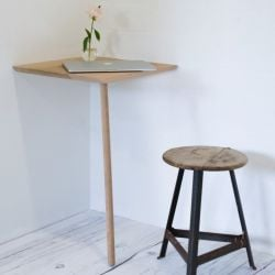 Hipstrega | Corner Table