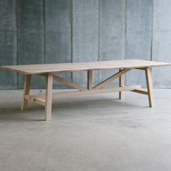 Larbus II Table